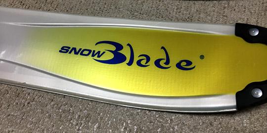 SNOW Bladeというロゴ