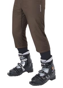 パンツをブーツインしないで済むスキーハーフパンツ