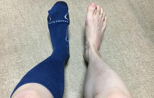 左足のみに履いてみた